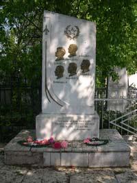 Памятник экипажу А.И.Каримова на Арском кладбище