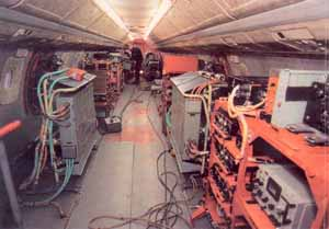Испытательная аппаратура в салоне Ту-144ЛЛ