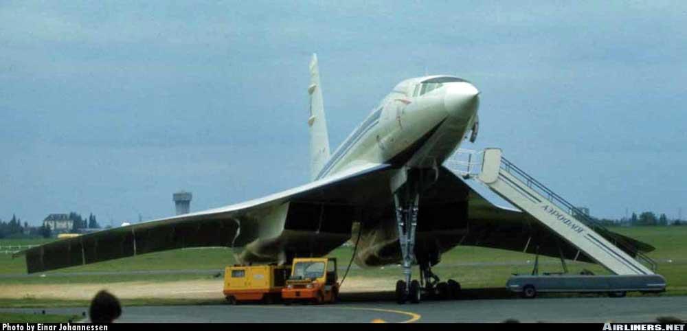Ту-144 с убранным ПГО