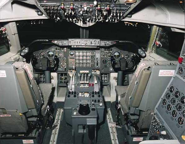 Кабина Boeing 747