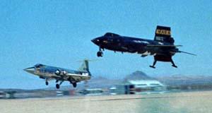 Посадка X-15 в сопровождении F-104